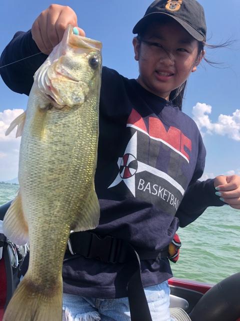 8月29日ガイドはDAY2今日はテキサスでリコちゃんも釣ったしお父さんも59・55他でしたが・・・