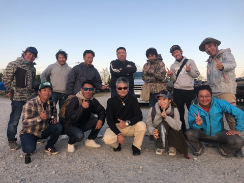 10月21日ガイドは8名4艇ガイドでワイワイ楽しく!バス釣りは楽しいのが1番ですね!