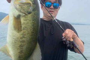6月27日琵琶湖ガイドはGETNETジャスターフィッシュ3.5ネイルリグで挽回キャッチ!デカイのは惜しくも・・・