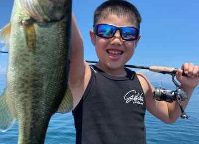 8月14日琵琶湖ガイドは猛暑!バス釣り始めての小学3年生に!GETNETジャスターフィッシュ3.5ダウンショットでキャッチも暑過ぎです!