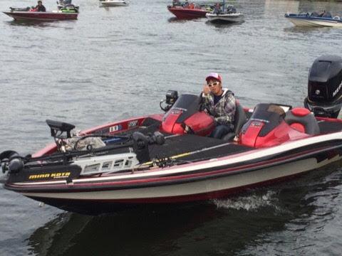 琵琶湖でのバス釣りに最適なレンジャーボート20フィート