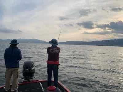 9月29日琵琶湖ガイドは数釣りはGETNETジャスターフィッシュ2.5DSとワイルドサイドST65Lからビッグ狙いはジャスターホッグ4.3TXとワイルドサイド610MHで