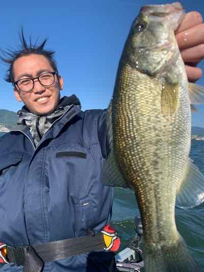 10月25日琵琶湖ガイドはワイワイエンジョイはGETNETジャスターフィッシュのダウンショットでサイズ狙いはテキサスリグで!爆風でもエンジョイ!