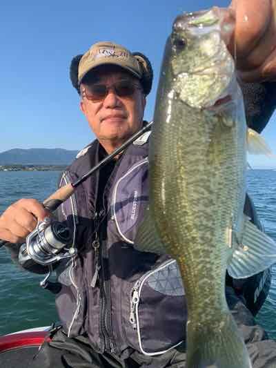 10月31日琵琶湖ガイドはGETNETジャスターフィッシュ3.5DSとワイルドサイドST65Lで51cm含む2人で30本弱