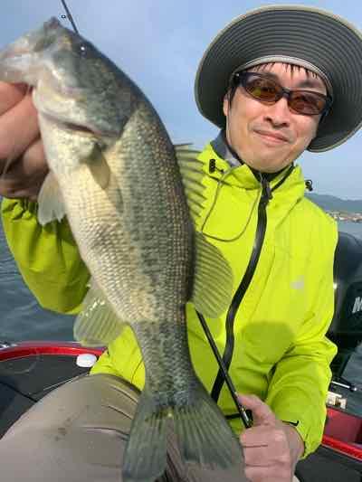 11月1日琵琶湖ガイドは手堅く釣ってからテキサスリグでのサイズ狙いで!