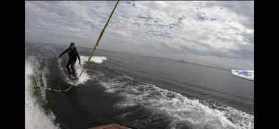 (1日遅れ更新)11月6日の琵琶湖ガイドは釣りとウェイクサーフィンで琵琶湖をエンジョイ!