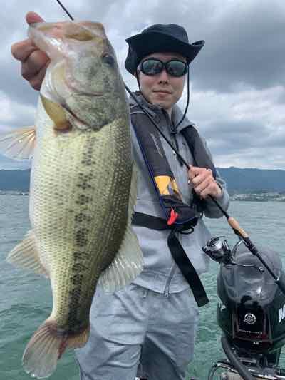 6月11日琵琶湖ガイドは南東の爆風に負けずにGETNET3種の神器でグッドサイズをゲット!